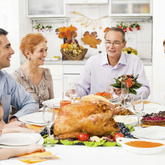 include children in getting ready for thanksgiving dinner